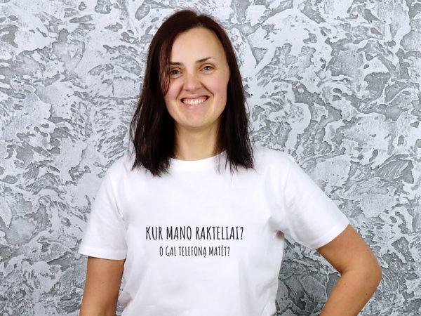 balti marškinėliai su juokingu užrašu