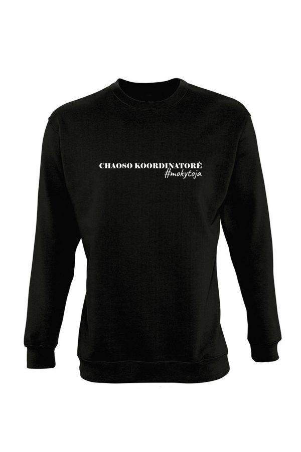 Juodas džemperis su užrašu Chaoso koordinatorė mokytoja